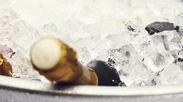 Champagne in glassette